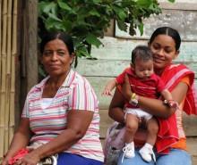 #12 ladies and baby La Cucula-remote-b